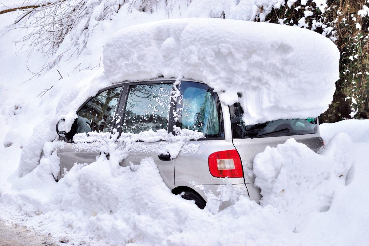 Betonfertiggaragen schützen im Winter vor Schnee und Eis